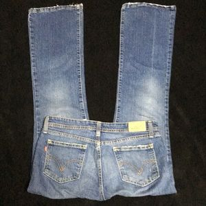 Women's Levi's boot cut size 9